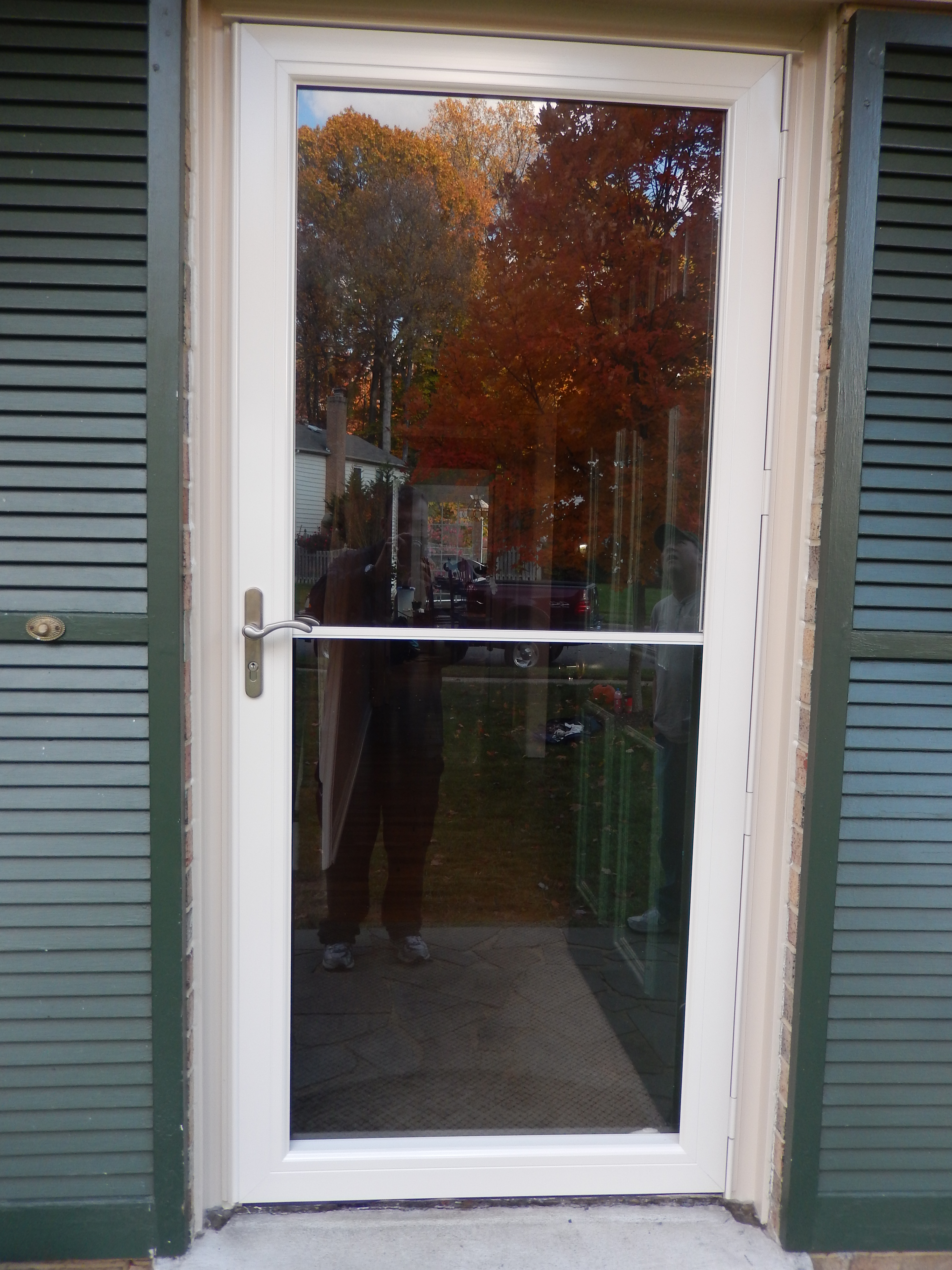 What Are The Features Of An Anderson 4000 Storm Door